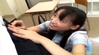 学校でも有名なヤリマンビッチにフェラをお願いしてみたらまさかの展開に