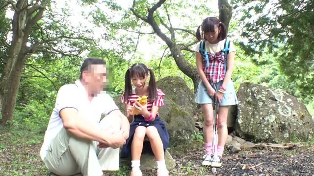林間学校に来たロリ少女たちがオジサンに犯されまくる動画