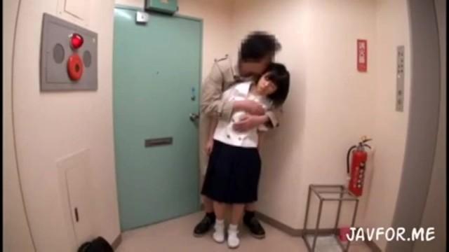 学校帰りの小柄な美少女JCが変質者にめちゃくちゃにされちゃう動画