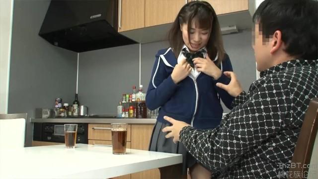 先生の家に押しかけて内申点アップと引き換えにセックスしちゃう美少女JK | ミニロリ倶楽部